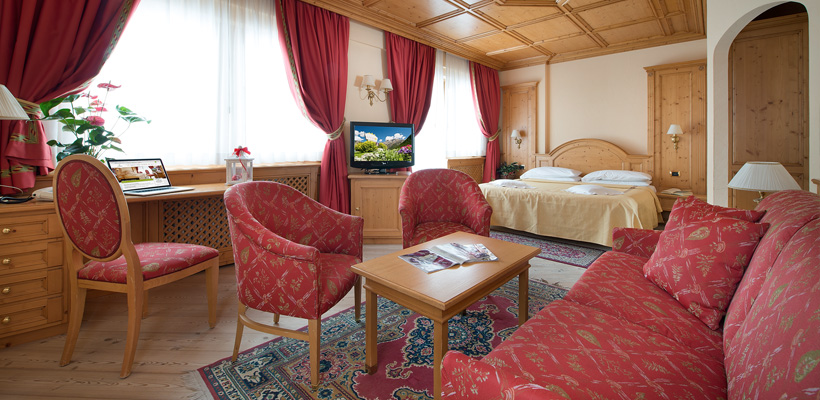 Hotel Valtellina - Via Saroch, 350 - Room - Suite 1