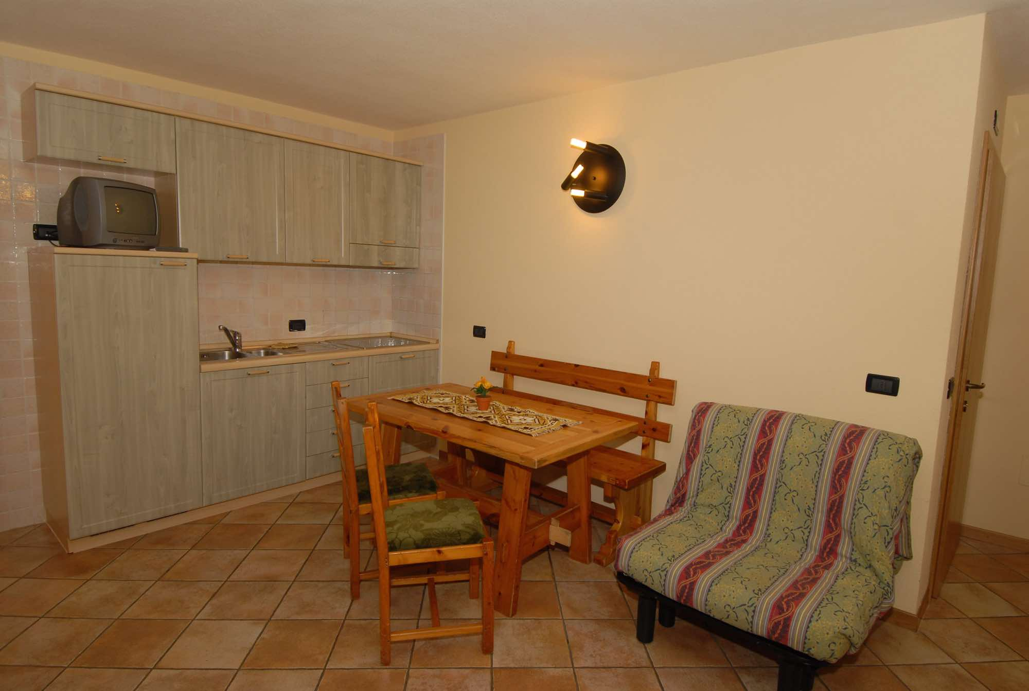 Baita Guana - Via Borch N.800, Livigno 23041 - Apartment - Taverna X2a 1
