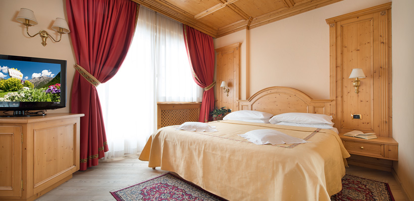 Hotel Valtellina - Via Saroch, 350 - Room - Suite 2