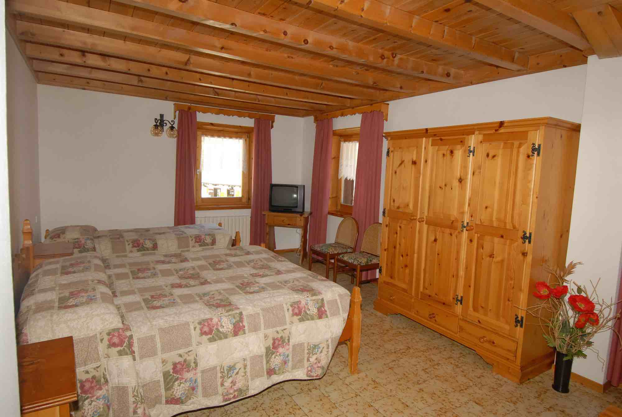 Baita Guana - Via Borch N.800, Livigno 23041 - Apartment - Primo Piano X6 2