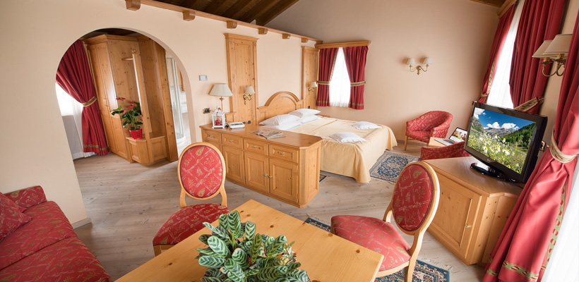 Hotel Valtellina - Via Saroch, 350 - Room - Suite 3