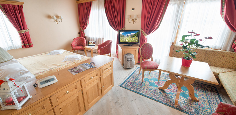 Hotel Valtellina - Via Saroch, 350 - Room - Suite 5