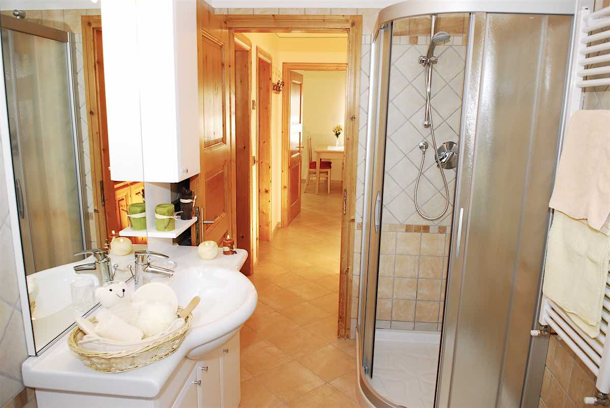 Baita Confortola - Via Rin N.379d, 385, 387, Livigno 23041 - Apartment - Appartamento Bp 5